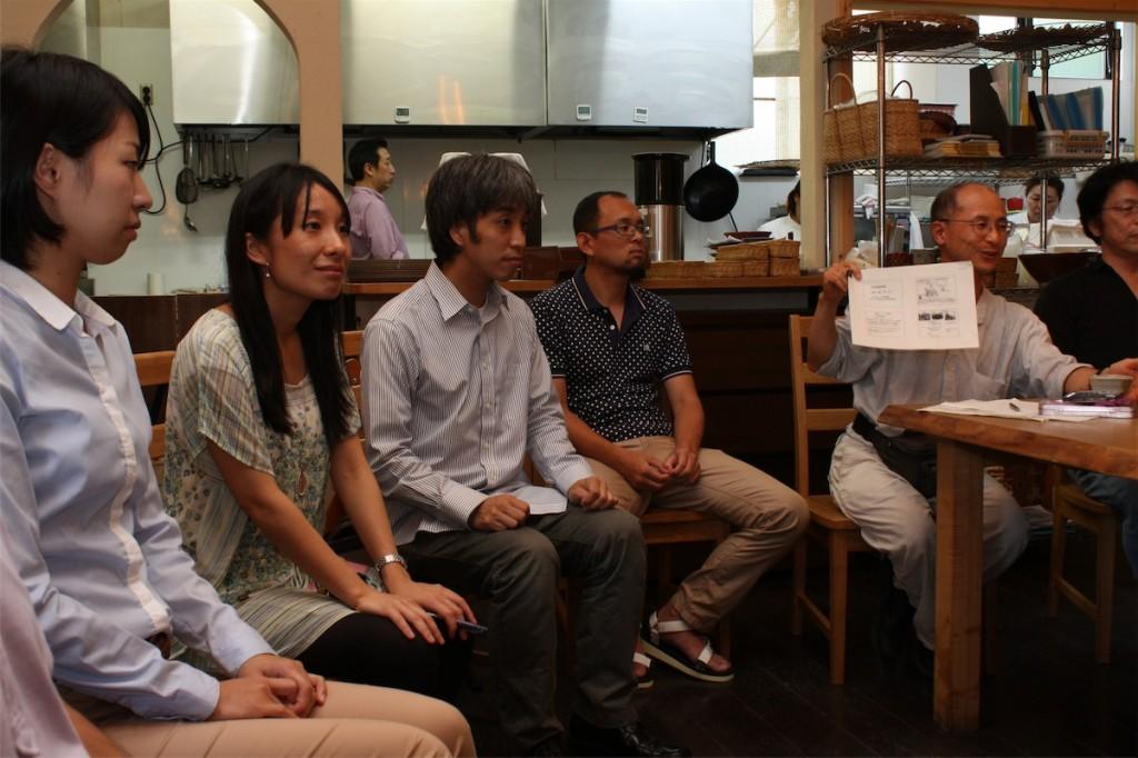 広島から参加した大西康史さん(写真中央左)