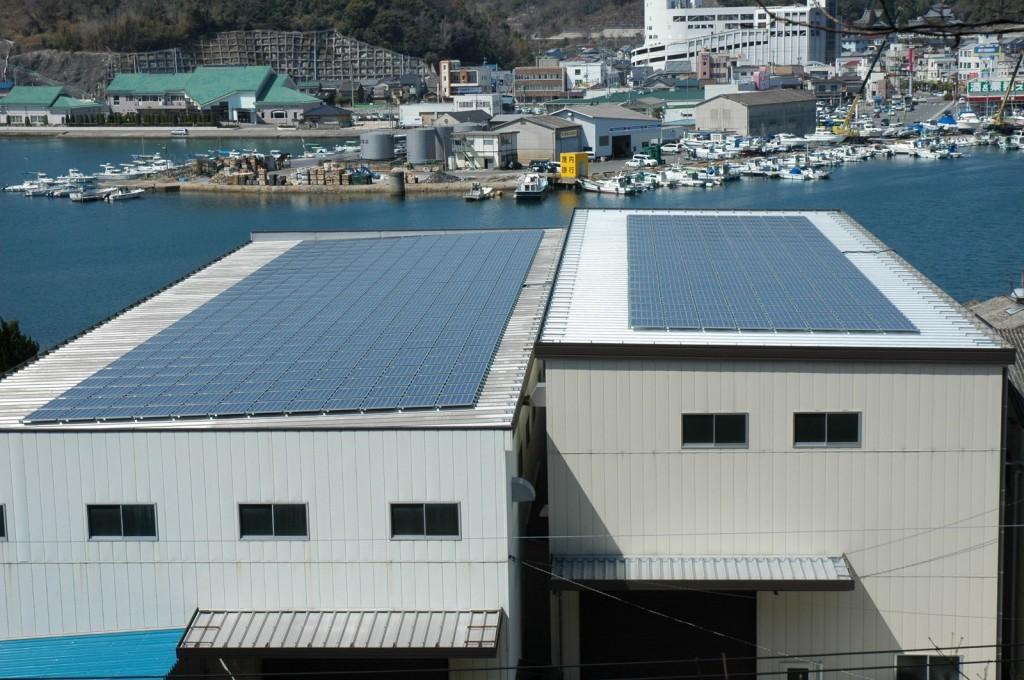 90kWの太陽光設備を設置した長崎鉄鋼所(写真:備前グリーンエネルギー)