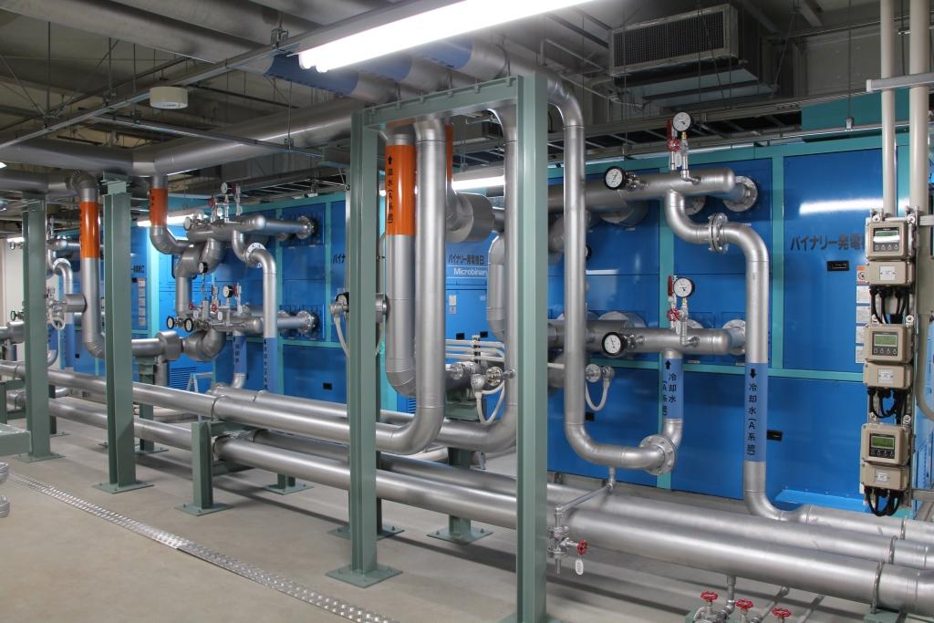 合計180kWのバイナリー温泉発電設備(写真:小浜温泉エネルギー)