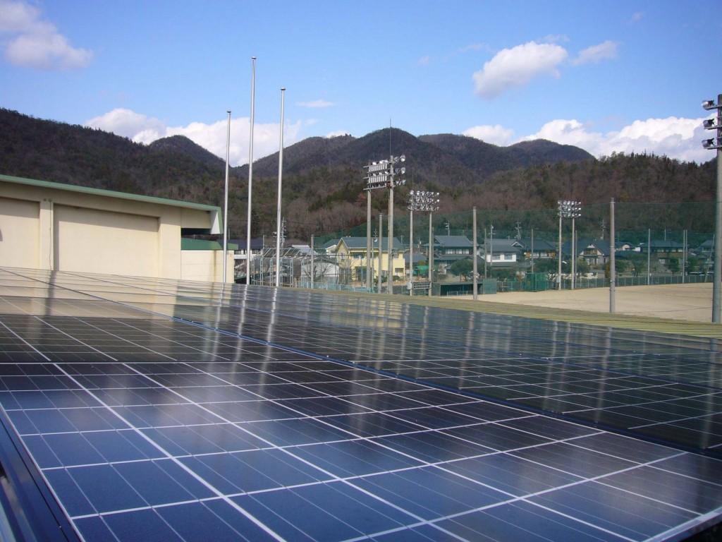 19kWの太陽光設備を設置した吉永B&G海洋センター(写真:備前グリーンエネルギー)
