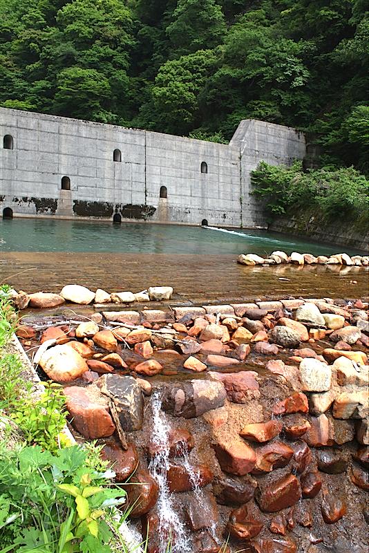 富山県滑川市を流れる小早月川