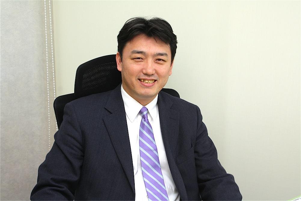小峯氏は、調布まちなか発電非営利型株式会社の取締役、調布まちなかエネルギー非営利型株式会社の代表取締役でもある。