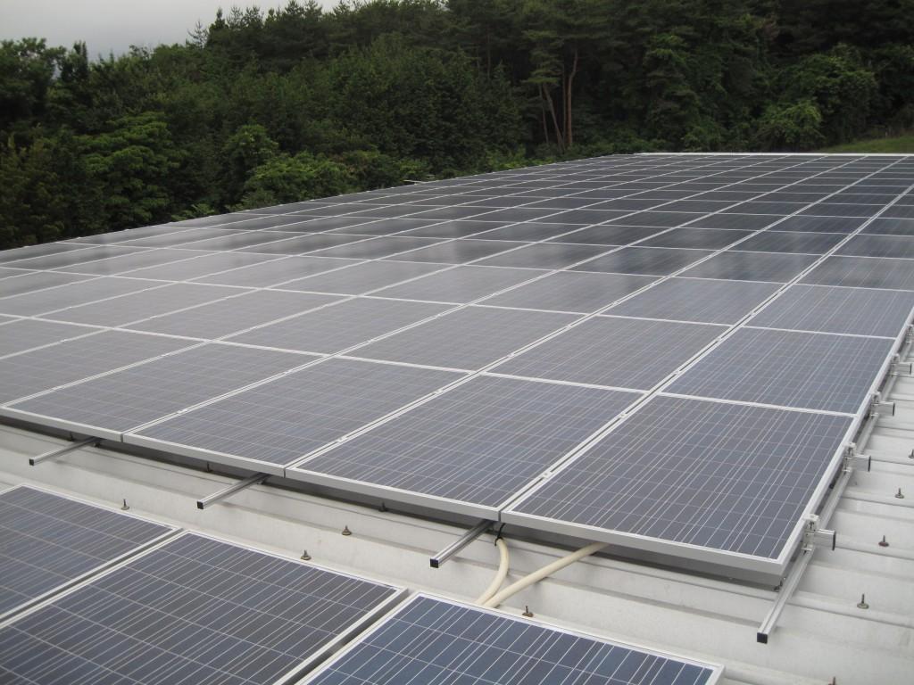 大橋工業相馬工場に設置した36.7kWの太陽光発電システム